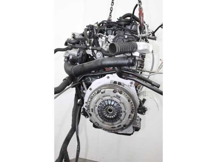 Motor Volkswagen Golf  CYKB 5