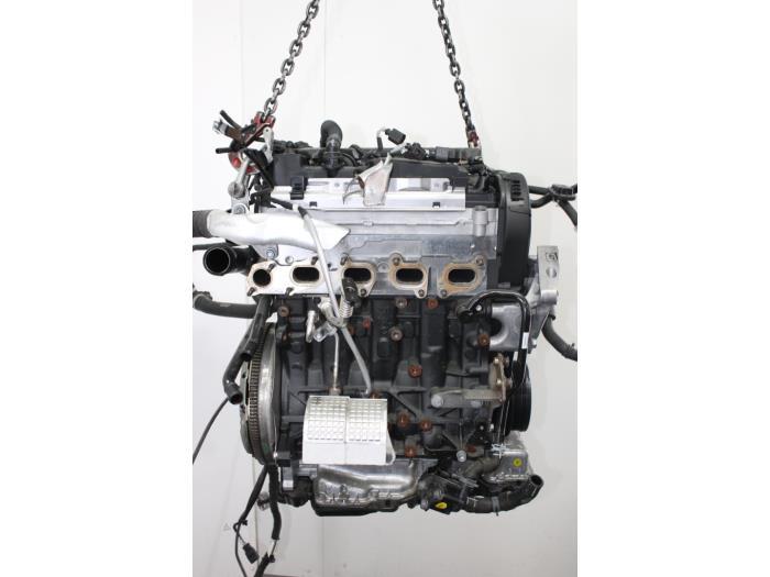 Motor Volkswagen Golf  CYKB 4