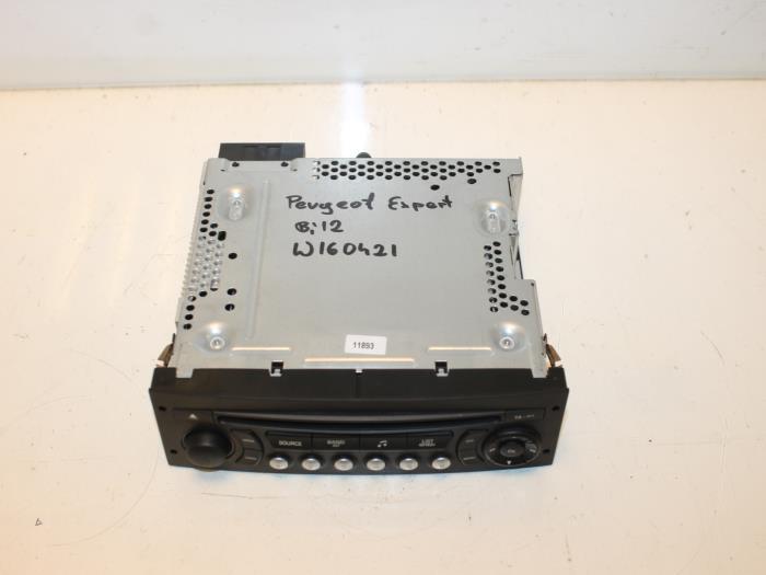 Gebruikte Peugeot Expert Radio CD Speler - 96755574XT - Van Gils Automotive | Onderdelenlijn.nl