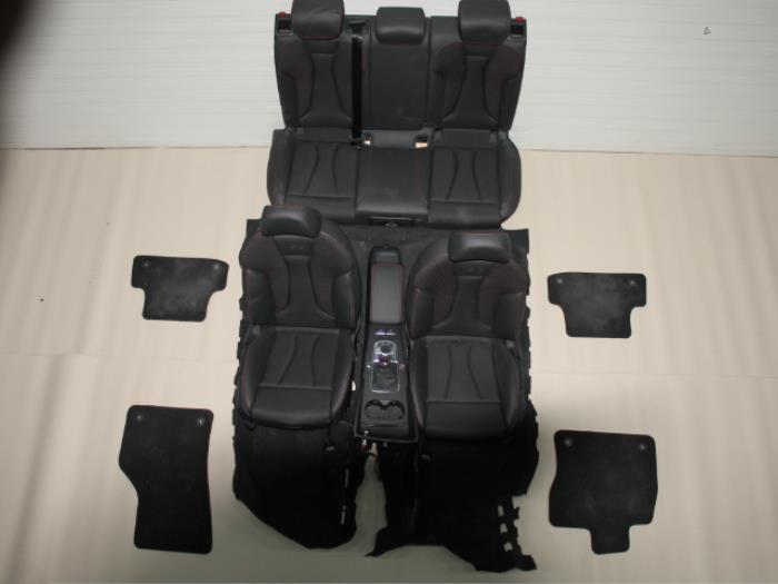 Gebruikte audi a3 interieur bekledingsset van gils for Audi a3 onderdelen interieur