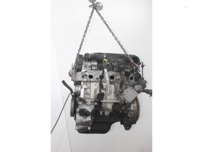 Motor Mazda 2.  F6JA 5