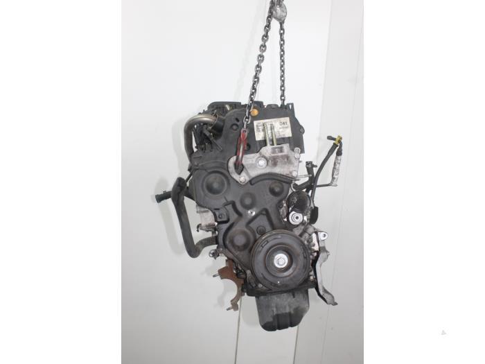 Motor Mazda 2.  F6JA 3