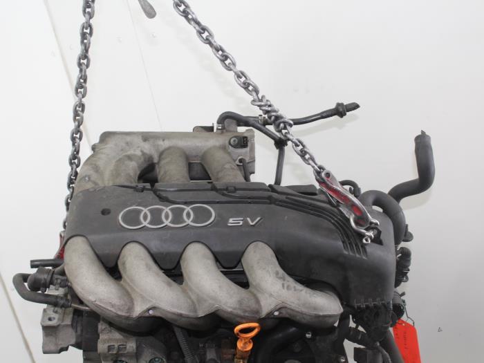 Motor Audi A3  AGN 6