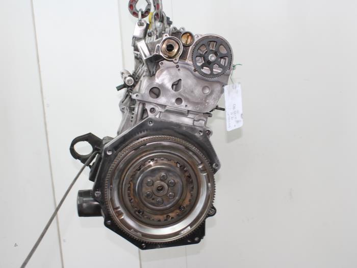 Motor Volkswagen Golf  CZD 3