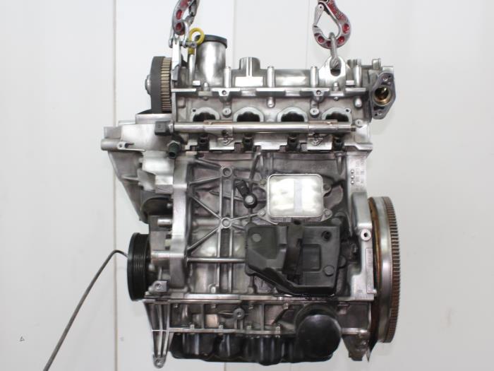 Motor Volkswagen Golf  CZD 4