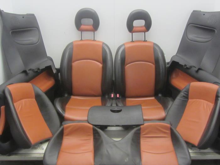 Gebruikte peugeot 206 cc 2d 1 6 16v bekleding set for Auto onderdelen interieur