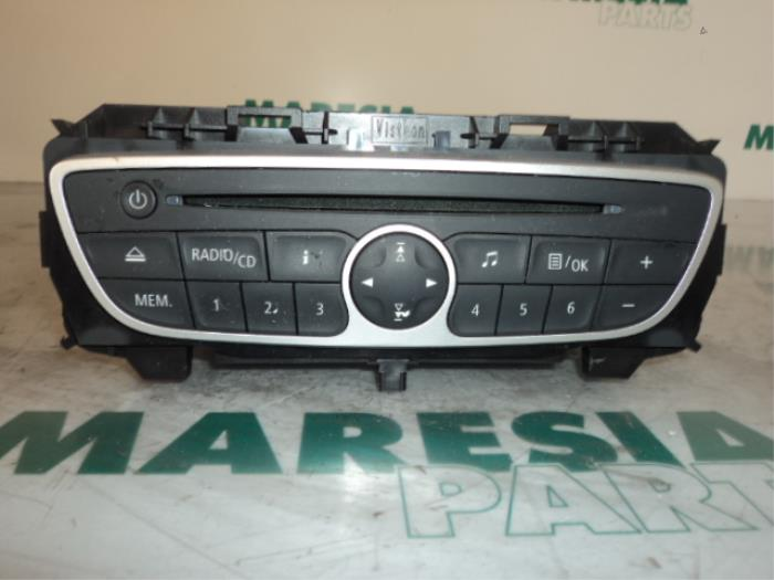 used renault twingo ii cn 1 2 16v radio cd player 281150031rt maresia parts. Black Bedroom Furniture Sets. Home Design Ideas