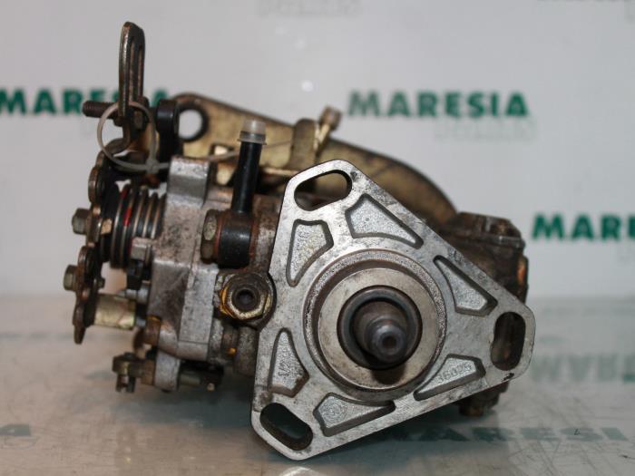 Gebruikte Peugeot 205 Ii  20a  C  1 8 Xld Xrd Gld Grd Brandstofpomp Mechanisch