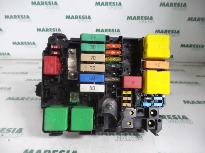 Gebruikte Citroen C4 Cactus  0b  0p  1 2 Puretech 82 12v Zekeringkast - 6580cq