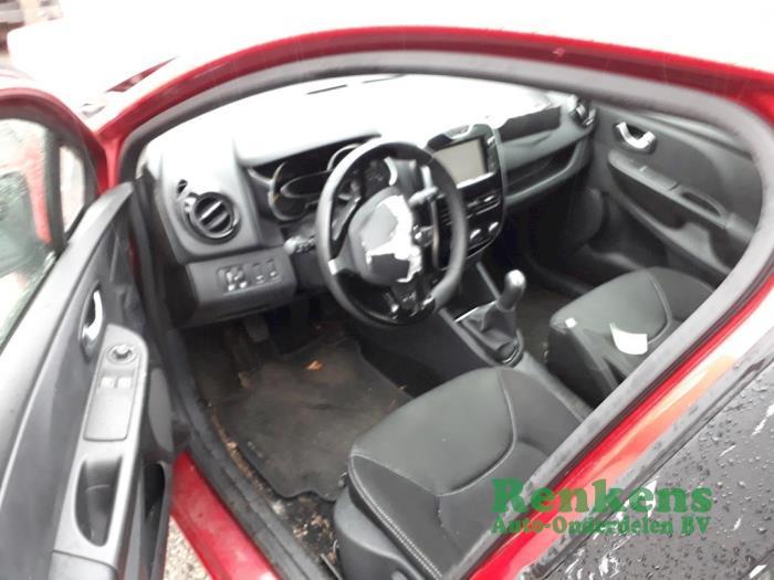 Bekleding Set (compleet) van een Renault Clio IV (5R) 1.5 Energy dCi 90 FAP 2015