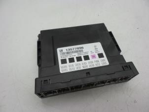 Computer Body Control van een Opel Astra Foto 1