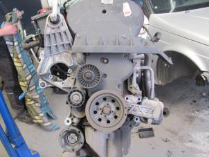 Motor van een Alfa Romeo 156 Foto 3