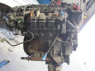 Motor van een Alfa Romeo 156 Foto 1