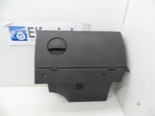 Glovebox van een Opel Combo Foto 1