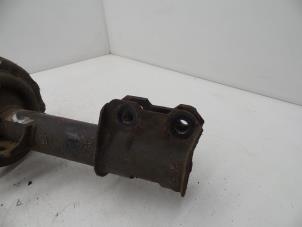 Schokdemperpoot rechts-voor van een Opel Meriva Foto 3