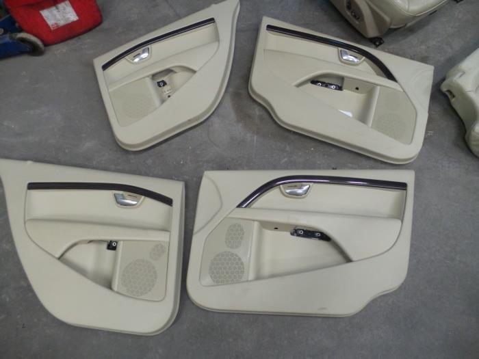 Gebruikte volvo s80 ar as 2 4 d5 20v 180 interieur for Auto onderdelen interieur