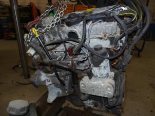 Motor van een Opel Vectra Foto 2