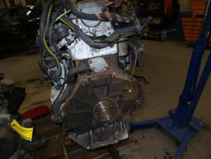 Motor van een Opel Vectra Foto 3