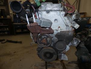 Motor van een Opel Vectra Foto 4