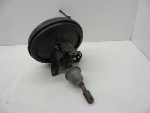 Bremskraftverstärker van een Opel Vectra Foto 2