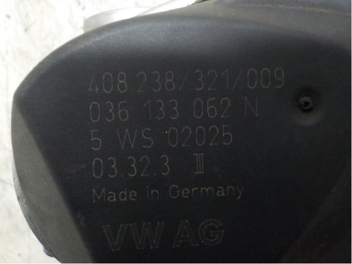 Gasklephuis van een Volkswagen Polo (9N1/2/3) 1.2 2004