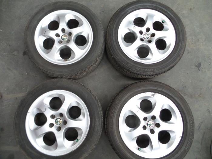 Gebruikte Alfa Romeo 147 937 19 Jtd 115 Velgen Set