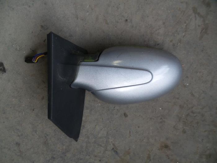 De Spiegel Vof.Gebruikte Smart Fortwo Coupe 450 3 0 7 Spiegel Buiten Rechts