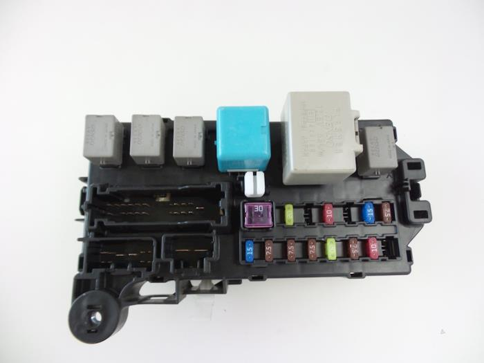 daihatsu sirion fuse box car parts rh broekhuis autos nl daihatsu terios 2007 fuse box diagram