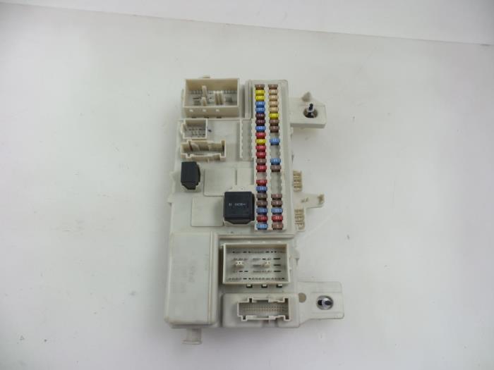 volvo s40 v40 fuse box car parts volvo s40 v40 fuse box