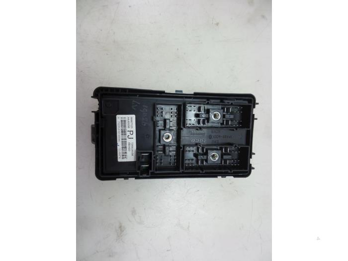 Chevrolet Aveo Fuse box - car parts on