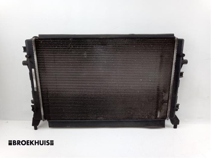 Radiateur van een Volkswagen Golf V Variant (1K5) 1.4 TSI 122 16V 2009