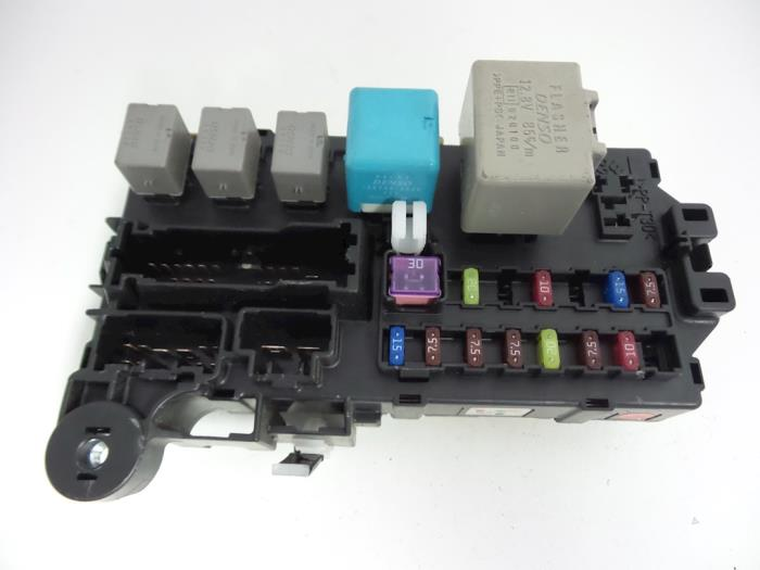 daihatsu sirion fuse box car parts rh broekhuis autos nl 2001 daihatsu terios fuse box location daihatsu sirion fuse box diagram