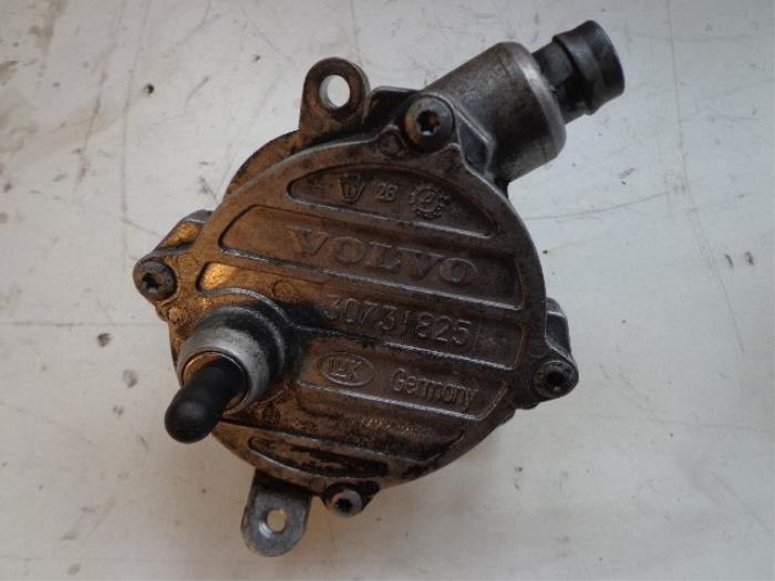 Volvo XC70 Vacuum pump (diesel) - car parts