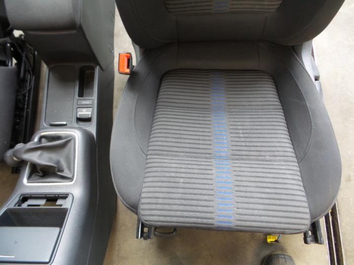 Gebruikte volkswagen tiguan 5n1 2 1 4 tsi 16v interieur for Auto onderdelen interieur
