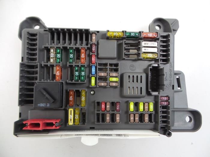 BMW X6 Fuse box - car parts