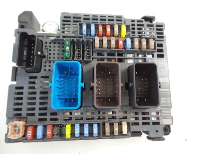 peugeot 508 fuse box car parts rh broekhuis autos nl peugeot 508 sw fuse box diagram peugeot 508 fuse box diagram