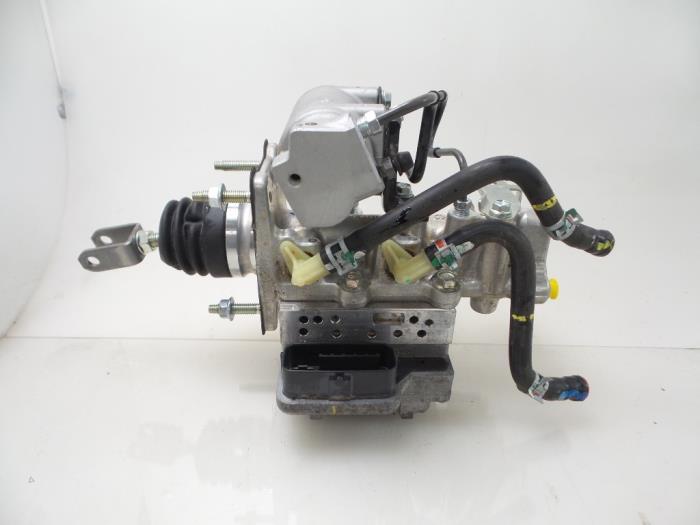 Toyota Auris ABS pump - car parts