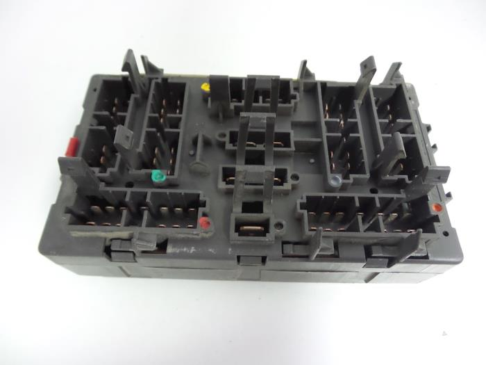 peugeot expert fuse box car parts rh broekhuis autos nl peugeot expert fuse box location peugeot expert 2007 fuse box