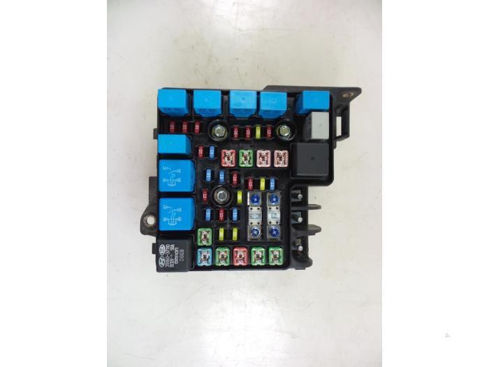 hyundai i30 fuse box car parts rh broekhuis autos nl Circuit Breaker Electrical Panel