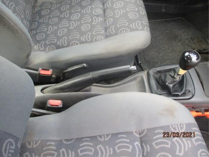 Handrem Mechaniek van een Seat Ibiza II (6K1) 1.4 16V 2002