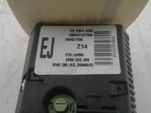 Gebruikte opel corsa d 1 2 16v display interieur for Auto onderdelen interieur