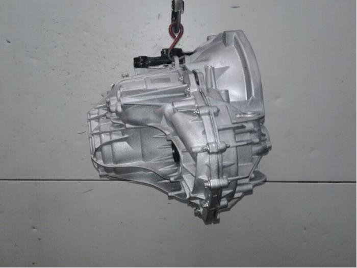 Versnellingsbak van een Renault Master V  2016