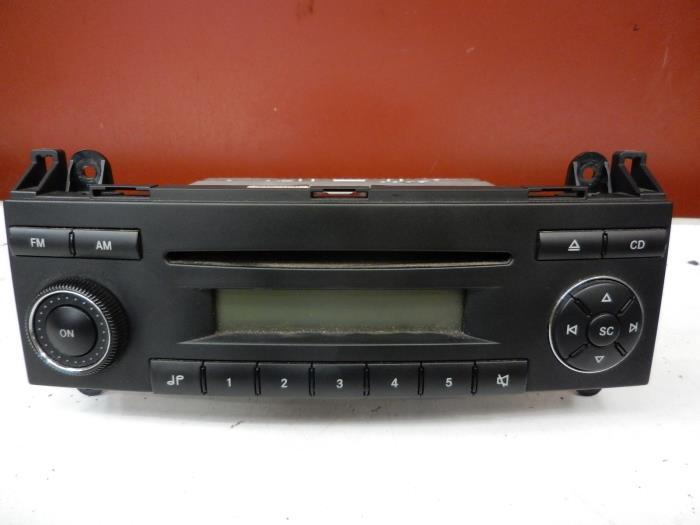 gebruikte mercedes sprinter radio cd speler a9068200886. Black Bedroom Furniture Sets. Home Design Ideas