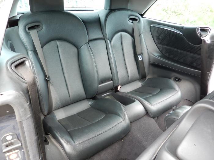 Gebruikte mercedes clk r209 2 6 240 v6 18v interieur for Auto interieur bekleden prijs