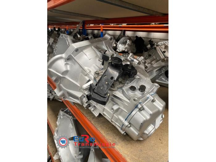 Versnellingsbak van een Kia Sportage (SL) 1.6 GDI 16V 4x2 2013