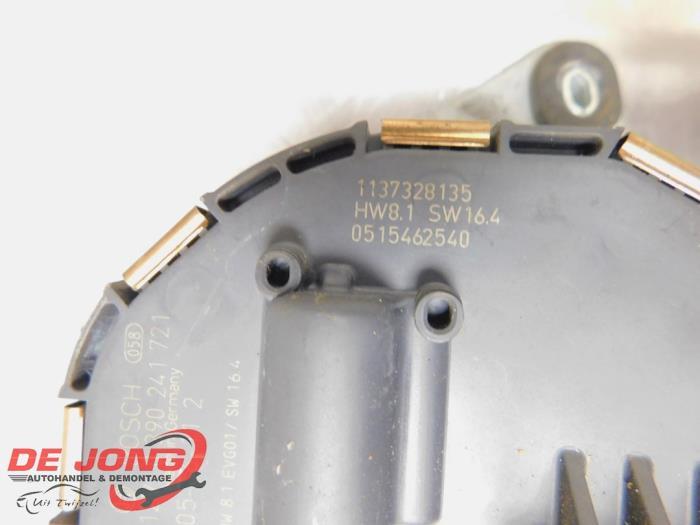 Ruitenwissermotor voor van een Peugeot 407 SW (6E) 2.2 HDi 16V 170 FAP 2006