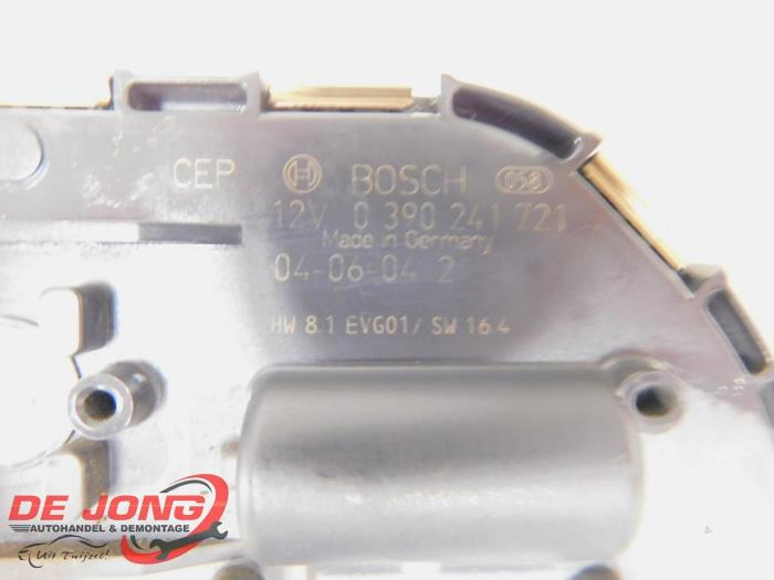 Ruitenwissermotor voor van een Peugeot 407 SW (6E) 2.0 HDiF 16V 2005