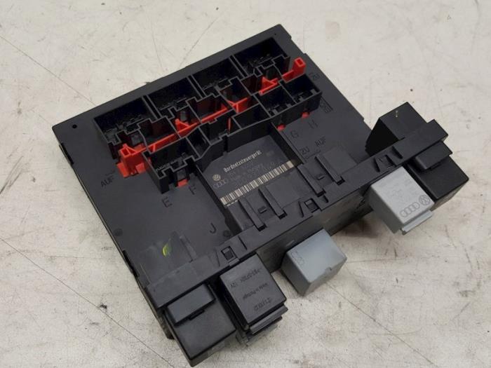 Central electronic module - Volkswagen Passat