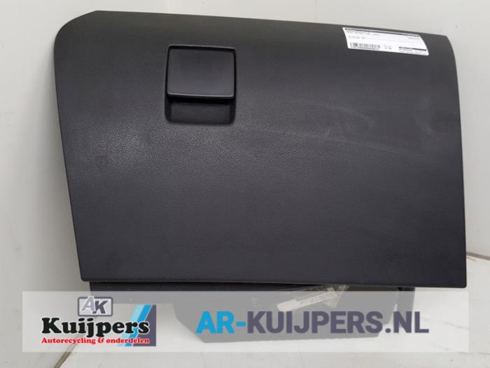 Dashboardkastje - Opel Astra