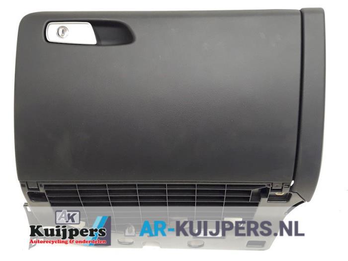 Dashboardkastje - Audi A4